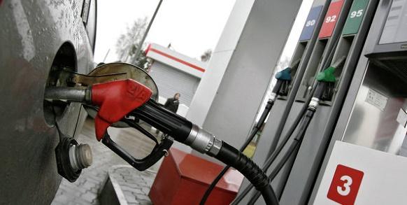Законопроект об ужесточении штрафов за некачественное топливо на АЗС внесен в Госдуму РФ