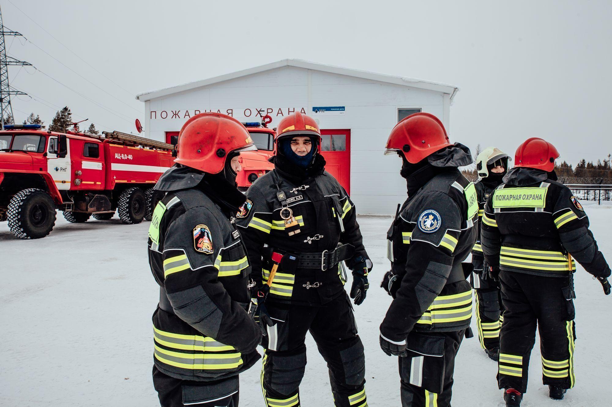 Пожарная служба АО «РНГ» помогает Мирнинскому району