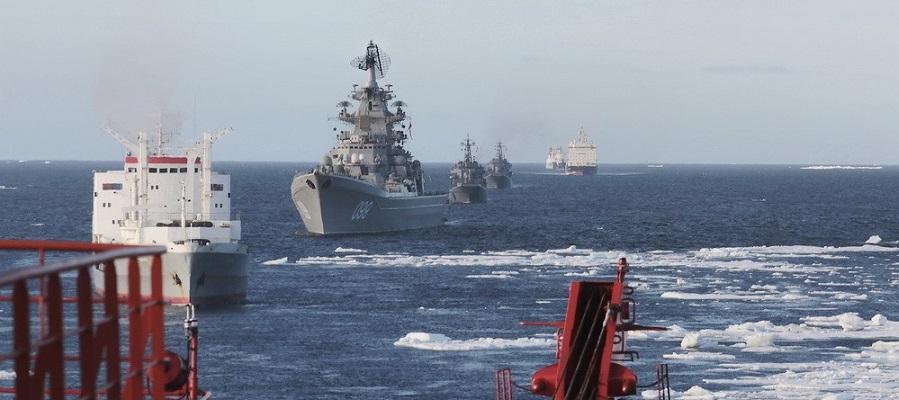 Корабли и суда Северного флота в рамках арктического похода совершают переход по Енисею в порт Дудинку