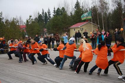 Ханты – Мансийский банк на свежем воздухе укрепляет корпоративную культуру
