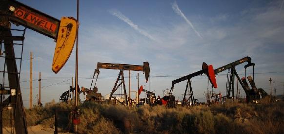 Запасы нефти в США за неделю по 28 августа 2015 г выросли сильнее прогнозов - на 1%