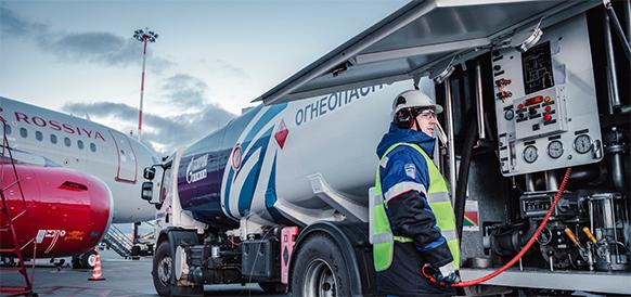 Газпром нефть заправила 5-миллионную тонну авиатоплива в Шереметьево