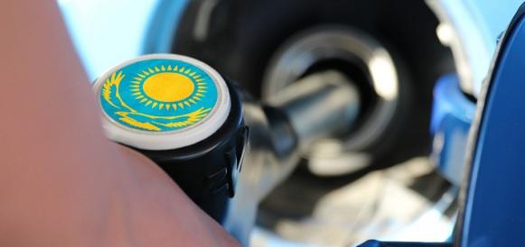 В Казахстане АЗС оштрафовали за завышенные цены на бензин