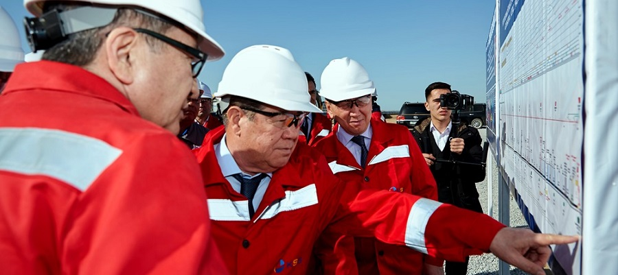Kazakh PM visits Tengiz field, various oil and gas projects