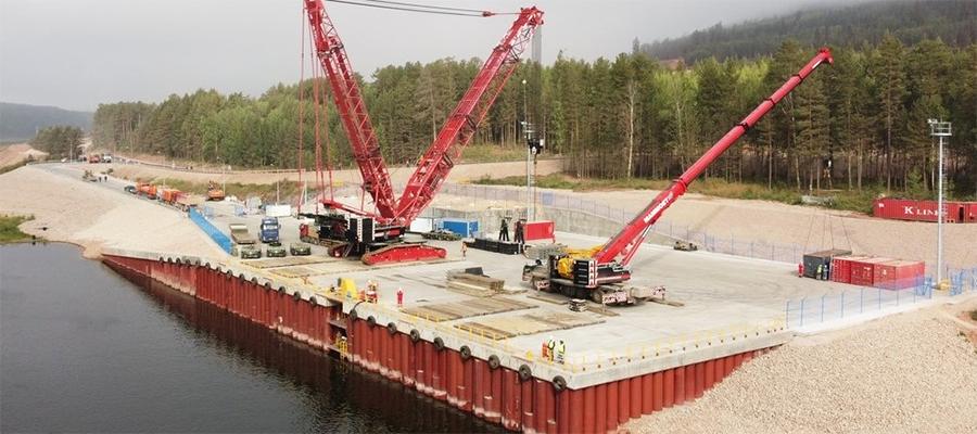 Для строительства Иркутского завода полимеров построен причал на реке Лене, готовится подключение к Пеледуйскому энергокольцу