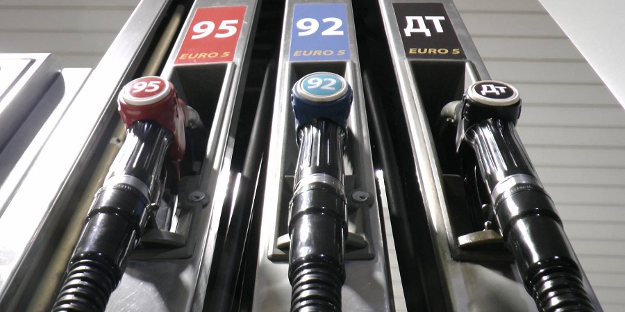 Производство бензина в РФ в октябре 2020 г. упало по сравнению с сентябрем на 7%