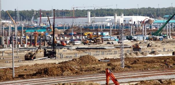 На строительной площадке ЗапСибНефтехима установлена самая крупная колонна строящейся установки пиролиза