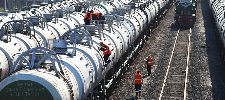 Almost all of Ukraine's crude oil imports account for Azerbaijan
