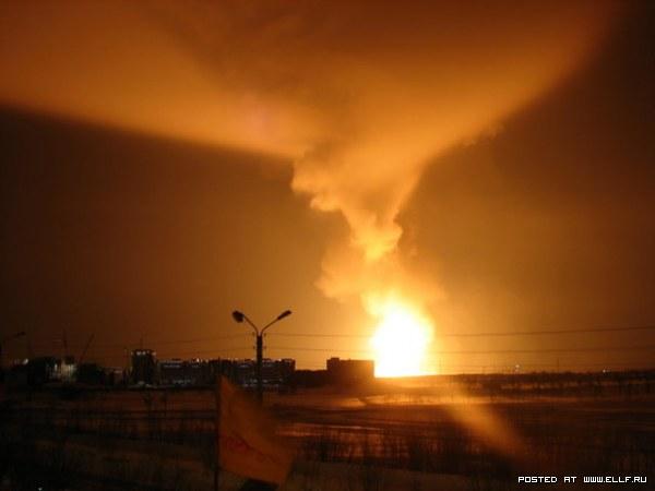 Молния зажгла нефть в Оренбургской области