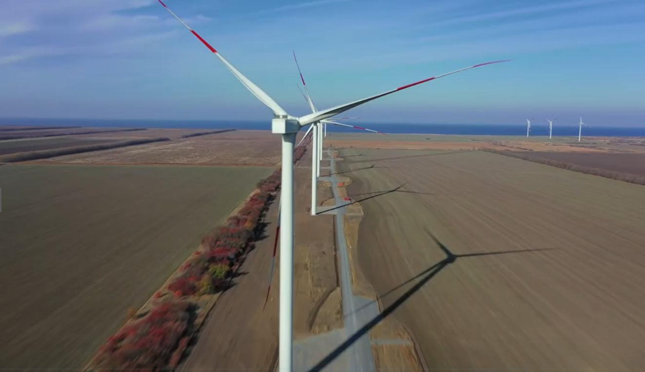 На Азовской ВЭС смонтировали все ветроустановки