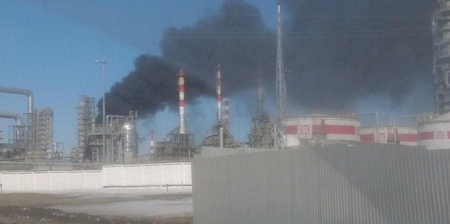 Пермский НПЗ ЛУКОЙЛа ограничил прием нефти из-за задымления на установке первичной переработки нефти
