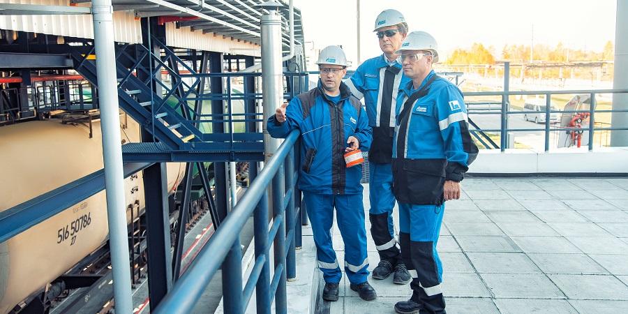 Омский НПЗ Газпром нефти внедрил автоматизированную систему экологичной отгрузки нефтепродуктов
