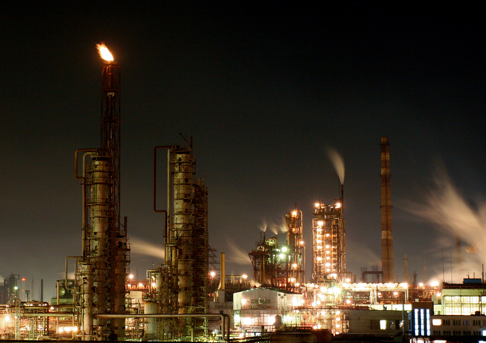 Чистая прибыль Стерлитамакского нефтехимического завода по РСБУ за 2015 г снизилась более чем в 1,5 раза