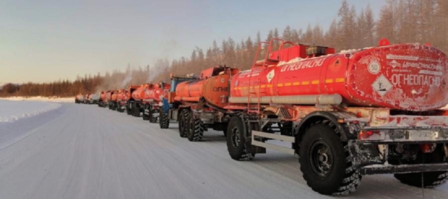 Районы Якутии получают топливо по пока еще действующим зимникам