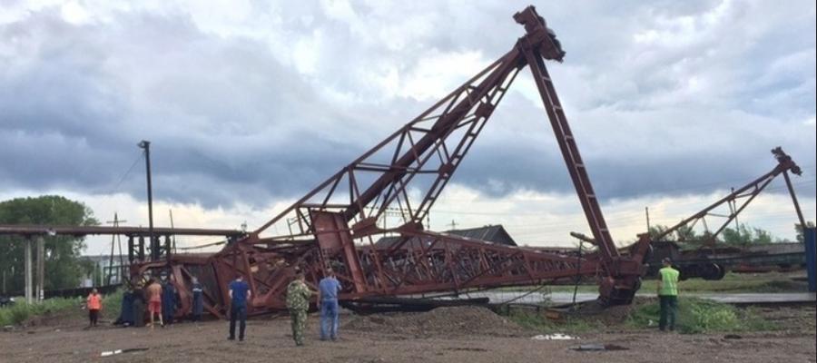 Сильный ветер оставил без электроснабжения порядка 14,5 тыс. жителей Красноярского края