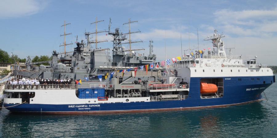 В состав Черноморского флота вошел новый морской танкер «Вице-адмирал Паромов»