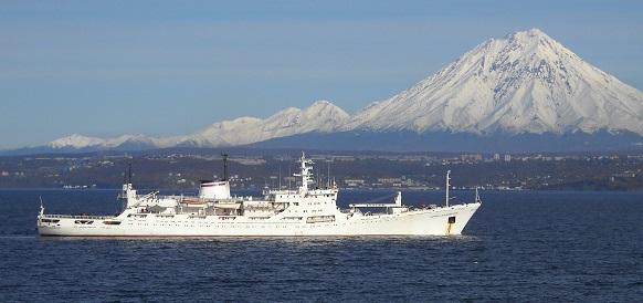 Исследовательское судно Балтийского флота «Адмирал Владимирский» прибыло домой в Кронштадт