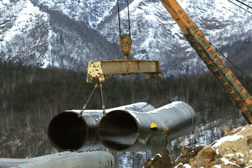 На XV Международной конференции «Нефть и газ Сахалина 2011» все спокойно. Почему нет А.Ананенкова?