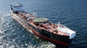Обслуживающие Приразломное месторождение челночные танкеры смогут принимать на борт морские вертолеты