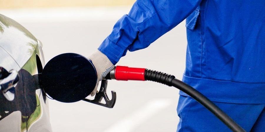 В Правительство РФ внесли законопроект о штрафах за недолив топлива