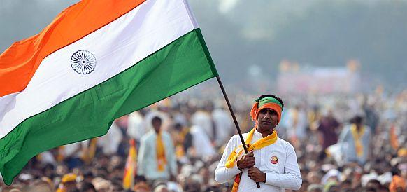 Индия планирует оплачивать в рупиях иранскую нефть