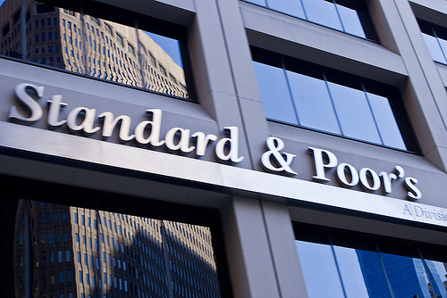 S&P upgrades Russia outlook to positive