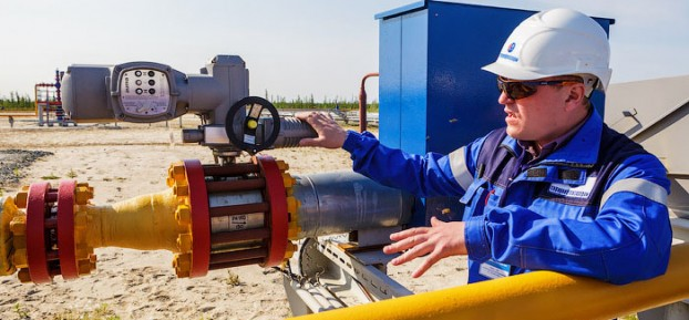 Asian Development Bank approved a $240.3 mln loan to help oil-rich Kazakhstan modernize its transport system