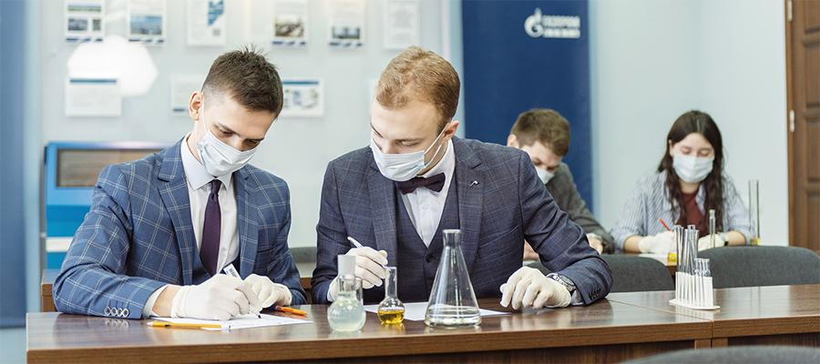 Омский НПЗ провел профориентационные занятия для старшеклассников