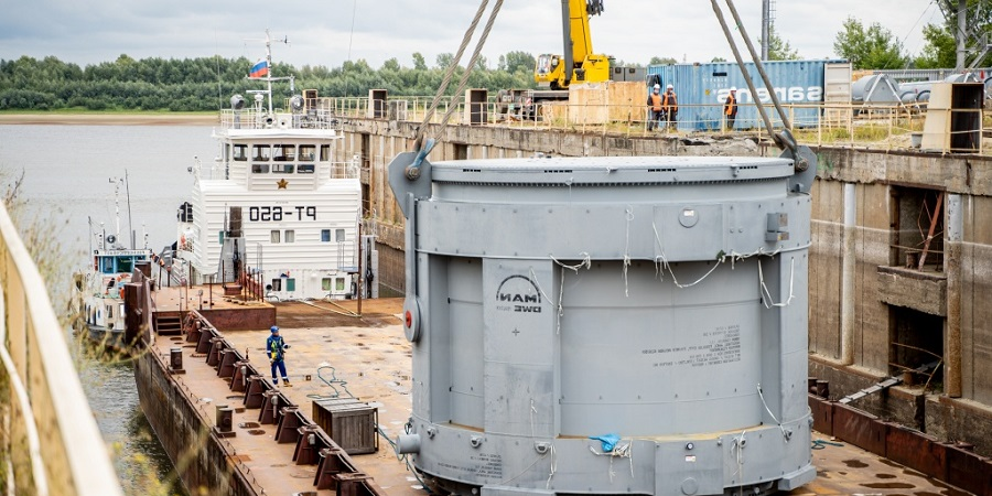 Главный элемент установки по производству МАН доставлен на тобольскую стройплощадку СИБУРа