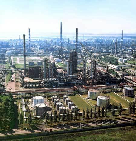 Укртатнафта выставила на аукцион 1-е партии нефтепродуктов. Но побежден ли топливный кризис на Украине?