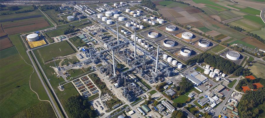 Роснефть увеличила долю участия в немецком НПЗ Bayernoil до 28,57%