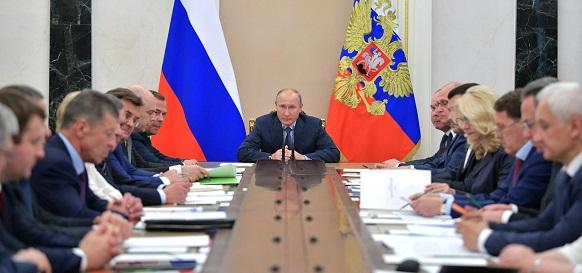 Crude oil prices «just fine» around $70 per barrel, Putin says