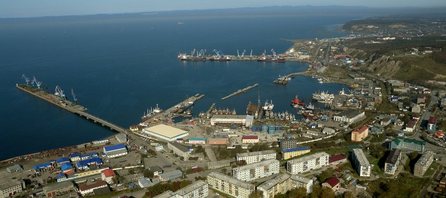 В правительстве снова строят планы о развитии порта Корсаков? Для СМП?
