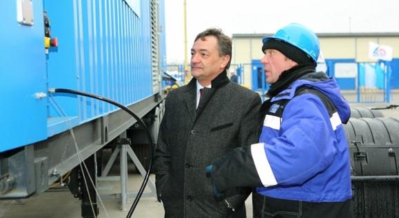 В Газпром добыча Ноябрьск начали заправку корпоративного транспорта природным газом с помощью ПАГЗа