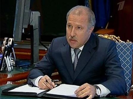 Э.Худайнатов, возможно, покинет Роснефть в августе 2013 г. С целью консолидации активов для Роснефти?