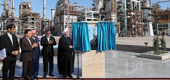 Президент Ирана запустил 3-ю фазу НПЗ Звезда Персидского залива
