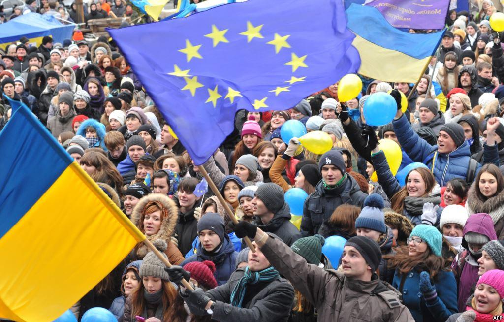 Оппозиционеры потребовали от В.Януковича на 30% снизить тарифы для населения из-за скидки на газ
