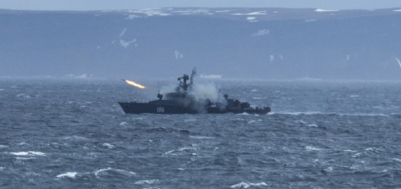 Корабли Кольской флотилии приступили к учению по поиску подводных лодок в Баренцевом море