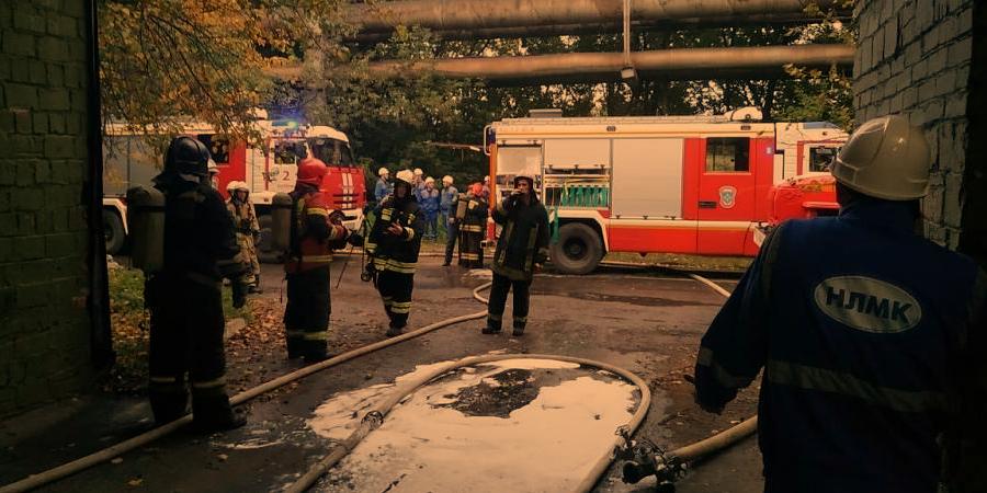Завод ВИЗ-Сталь. Пожар в цехе на площади 3 тыс. м2