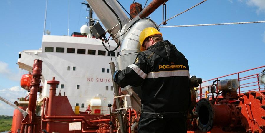 Роснефть провела бункеровку нового российского круизного теплохода Мустай Карим