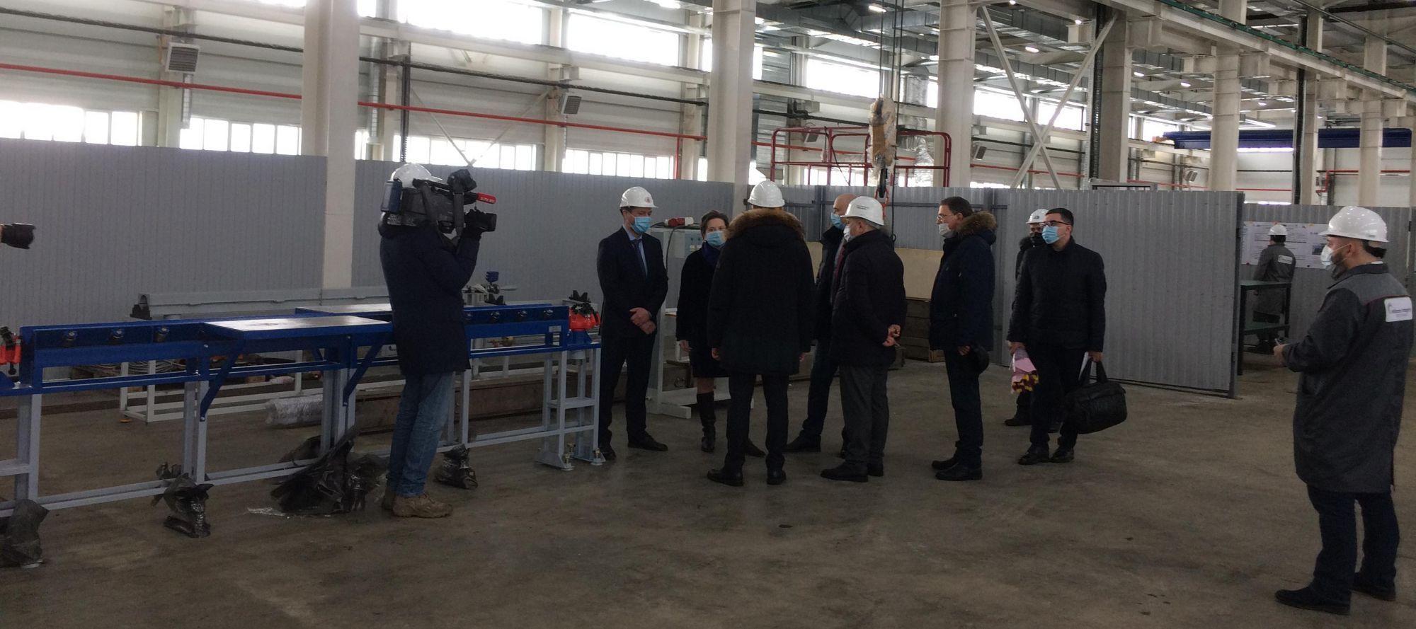 Губернатор ХМАО, Наталья Комарова, и мэр г. Сургута, Андрей Филатов посетили новую производственную базу компании Lex в индустриальном парке Югра