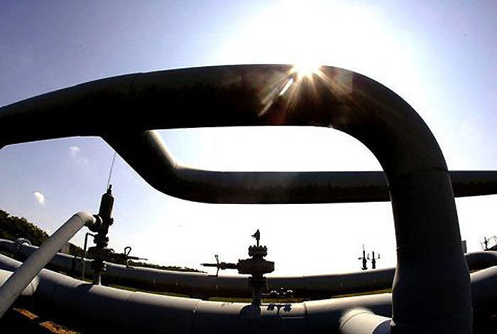 Oil starts flowing through China-Myanmar pipeline