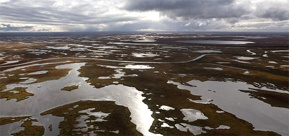 Moscow mulls tougher action against oil polluters of Arctic coast