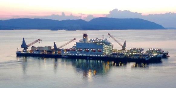 Он возвращается. Pioneering Spirit, обогнув полуостров Бретань, направляется в Черное море для завершения укладки 2-й нитки газопровода Турецкий поток Голосовать!