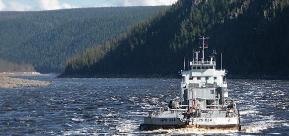В Заполярье пришел первый танкер с нефтепродуктами для труднодоступных сел Ямала