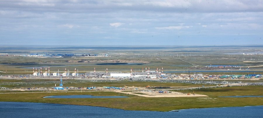 Газпром продолжает рассматривать возможность строительство ГХК на п-ве Ямал