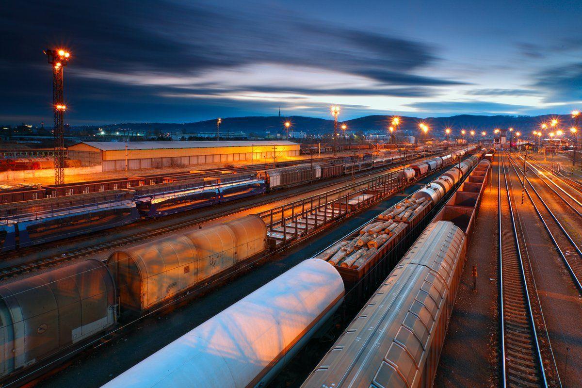 Железнодорожные перевозки. Интеллектуальное управление логистикой  на базе новых отношений между железной дорогой и промышленными предприятиями