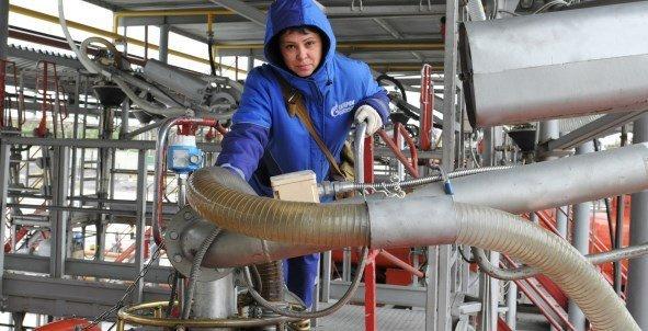 В состав Газпром переработки войдут 3 предприятия Газпрома, увеличив проектную мощность переработки до 54 млрд м3/год газа