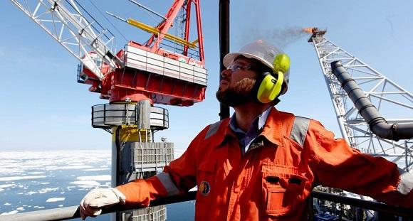 Sakhalin Energy применили уникальную методику отсоединения секции опорной части стрелы, отказавшись от опасных огневых работ на буровой платформе