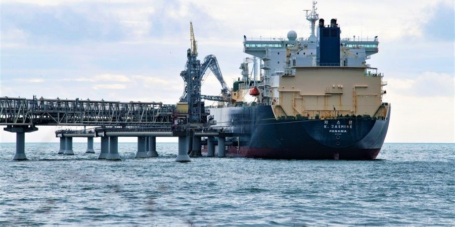 Sakhalin Energy shipped its 2000th LNG cargo, shuts the largest oil & gas production platform for maintenance